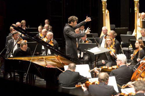Das zweite Orchesterkonzert der Bregenzer Festspiele kam beim Publikum sehr gut an. Die musikalische Verschränkung von Strauss und Ravel sorgte für viel Applaus. BF/Mathis