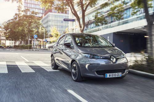 Der Batterie-Elektriker Renault Zoe, 2017 mit 41-kWh-Akku gestärkt, hat 88, 92 oder 108 PS. Reichweite: 340–403 km (lt. NEFZ). Preis: ab 24.990 Euro ohne, ab 32.490 Euro mit Akku.