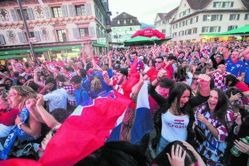Der Marktplatz brodelte, Kroatien steht im Finale und Tausende Fans feierten den Finaleinzug.Sams/6