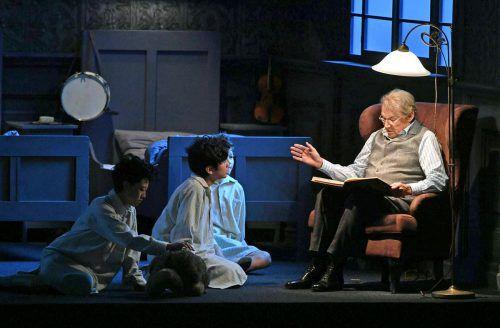 """Der Reigen der Opernproduktionen wurde gestern Abend mit Mozarts """"Zauber- flöte"""" und Klaus Maria Brandauer als Erzähler gestartet. APA"""
