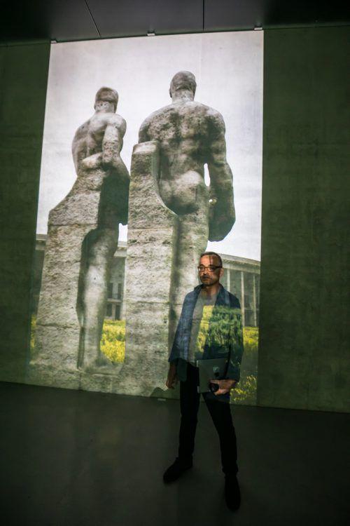 """Die Arbeit """"Olympia"""" von David Claerbout zeigt den computergenerierten Nachbau des Berliner Olympiastadions. VN/Hartinger"""