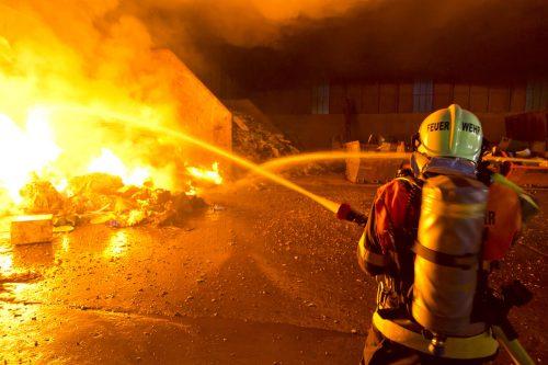 Die Feuerwehr brachte den Brand rasch unter Kontrolle. d. Mathis