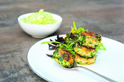 Die Fleischpflanzl werden mit Alpenschatz-Käse und Kartoffel-Schnittlauch-Püree serviert.roland paulitsch