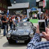 Zielflagge der Silvretta Classic in Schruns geschwenkt