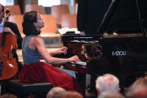 Die junge Pianistin Elisa Wallnöfer hat am Arlberg neue Fans gefunden. Heuer spielt sie das Klavierkonzert Nr. 27 in B-Dur, KV 595, von Mozart. Otter/Lech Zürs Tourismus