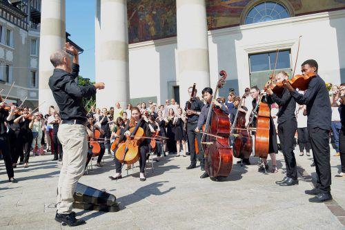 """Die """"Ode an die Freude"""" wurde am Dornbirner Marktplatz aufgeführt. WKO"""
