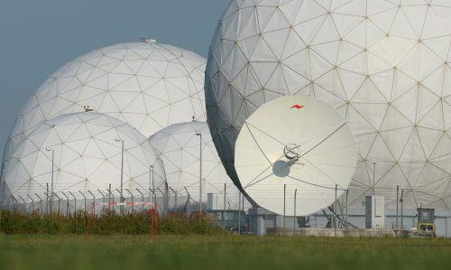 Die Ohren des deutschen Bundesnachrichtendienst (Abhörstation in Bayern) hatten auch Vorarlberger Firmen im Visier. DPA