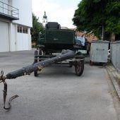 Ausgebüxtes Pferdegespann galoppiert in Auto