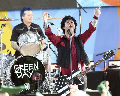 Die Punk-Band Green Day ist zurück in den Charts. AP