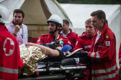 Die Rettung sucht dringend Sanitäter. Auch die Schulung benötigt Zeit, wie hier bei einer Übung im Bregenzerwald. VN/Steurer