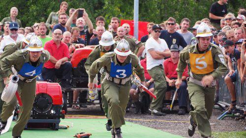 Die Rönser Feuerwehrgruppe ging aus dem Bezirkswettkampf als Sieger hervor. VN/Egle