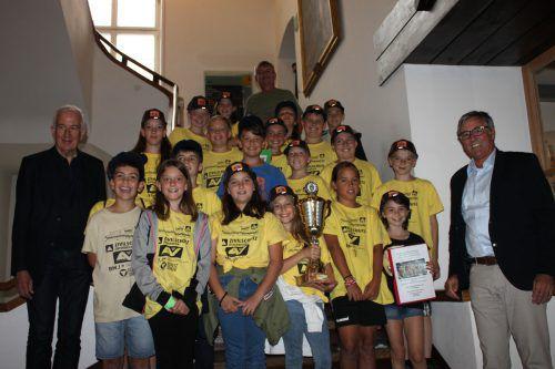 Die Schüler der Klasse 4c beim Empfang im Feldkircher Rathaus. Stadt