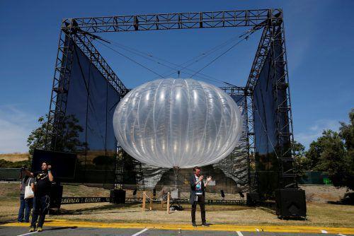 Die solarbetriebenen Heliumballons werden ab 2019 in der Stratosphäre ein Mobilfunknetz für Kenia ermöglichen. Reuters