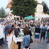 Musik und Spaß am Kirchplatz in Höchst