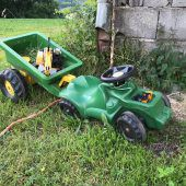 Landwirt erfasst Bobby-Car
