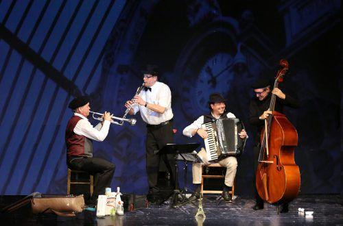 Die vier Musikvermittler spielen seit zwölf Jahren im gesamten deutschen Sprachraum. die schurken