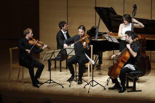 Die Vorarlberger Musiker Aaron Pilsan und Kian Soltani mit Friends im Angelika-Kauffmann-Saal in Schwarzenberg. Schubertiade