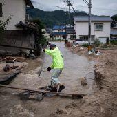Heftige Unwetter in Japan fordern Dutzende Menschenleben