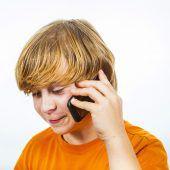 Handy in Kopfnähe birgt Risiken