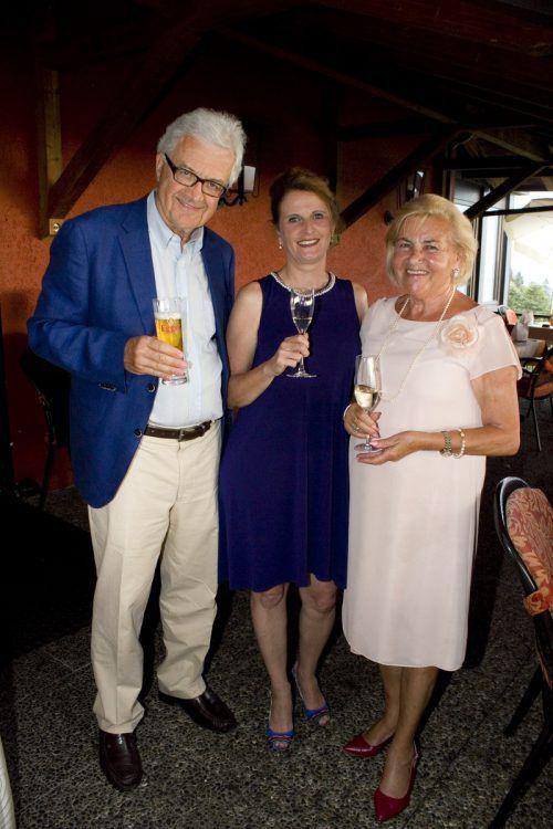 Elmar Bechter und Brigitte Hutter mit Herma Hehle.