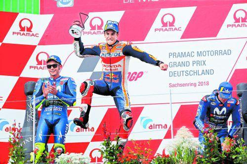 Fährt schnell und springt hoch: Sachsenring-Sieger Marc Marquez.reu