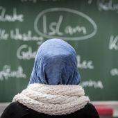 ÖVP will Kopftuchverbot auch für Unterstufe und Lehrerinnen