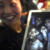Höhlendrama in Thailand: Vermisste Kinder wurden lebend gefunden. D8