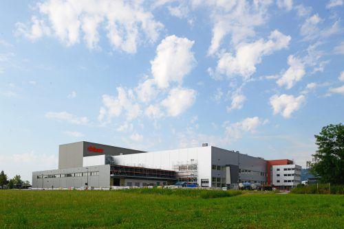 Im Blum-Stanzwerk (Werk 8) in Dornbirn werden aus Stahlblech und -draht Einzelteile für die Beschlagsysteme hergestellt. Blum