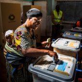 Historische Wahl in Simbabwe