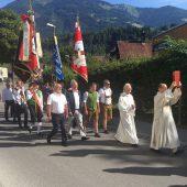 Neue Fahne für Handwerkszunft Oberer Walgau