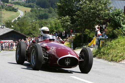 Georg Kaufmann bringt seinen Maserati 250F an den Start. Ein Auto, mit dem Juan-Manuel Fangio Formel-1-Weltmeister wurde. dg