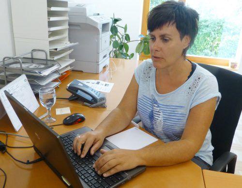 Heidi Wenin nimmt die Anmeldungen entgegen. the