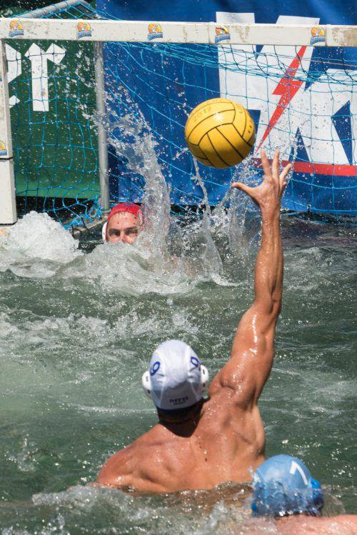 Im altehrwürdigen Militärbad in Bregenz wird am Wochenende wieder Wasserballsport auf hohem Niveau geboten.VN/STiplovsek