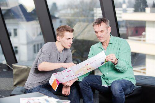 """Im Folder """"1000 Berufe"""" sind alle Berufe zu finden, die es in Österreich gibt. BIFO"""