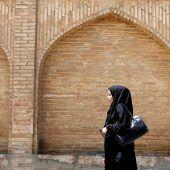 Iran startet Offensive gegen unislamische Mäntel