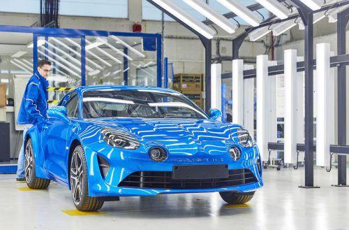 Im Renault-Alpine-Werk werden derzeit 15 A110 pro Tag gefertigt. 30 sind in Österreich eingelangt, 100 kommen heuer noch dazu.Werk
