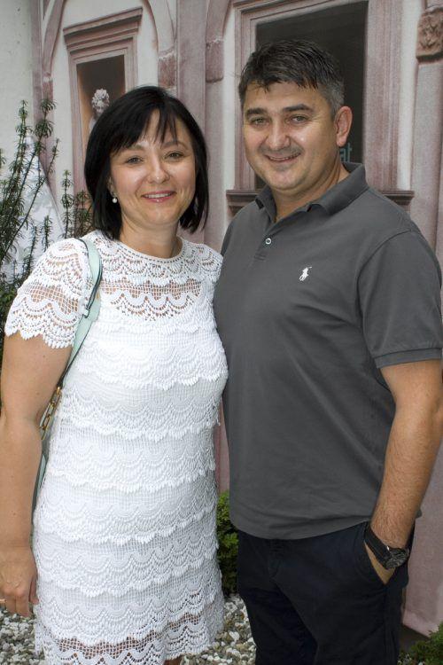 Jadranka und Eisspezialist Valentin Gava.