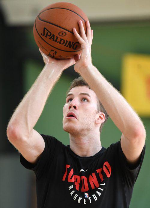 Jakob Pöltl spielte seine ersten beiden NBA-Saisonen in Toronto.gepa