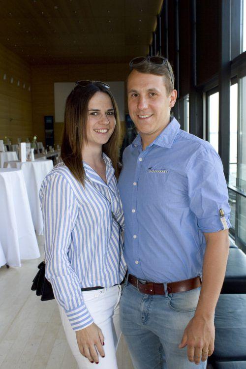 Janine und Matthias Fritz verfolgten das Fußballspiel.