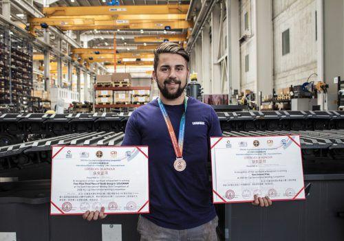 Julien sicherte sich gleich zweimal die Bronzemedaille beim Arc Cup 2018. Liebherr