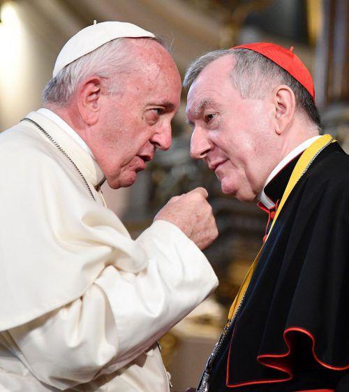 Kardinal Pietro Parolin (r.) tritt ganz im Sinne von Papst Franziskus für die Religionsfreiheit ein. AFP