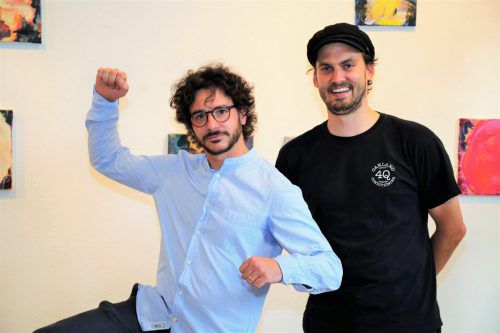 Künstler Johannes Felder mit KunstVorarlberg-Präsdient Florian Gerer.