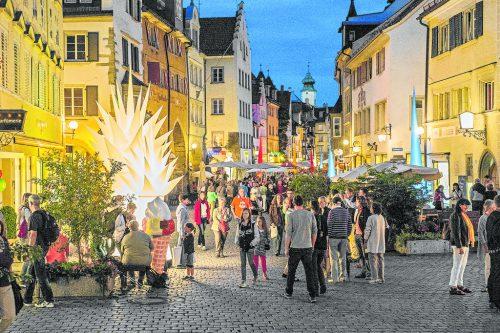 Kulturamt, Einzelhändler und Galerien laden zu einem spektakulären Abend ein.