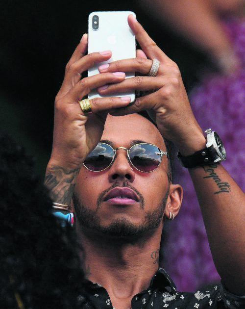 Lewis Hamilton hat seine Zukunft geregelt. Der Weltmeister verlängerte beim Mercedes-Rennstall bis 2020. reuters