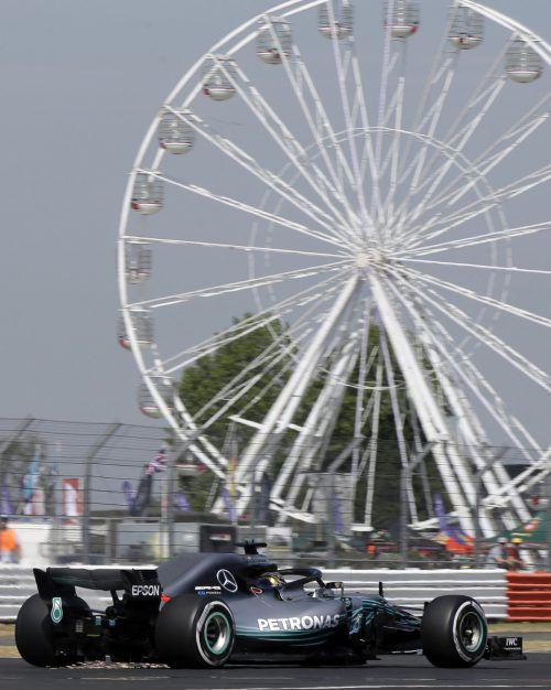 Lewis Hamilton war beim Auftakt seines Heimspiels in Silverstone am schnellsten unterwegs.ap