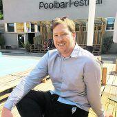 Fest im Poolbar-Sattel