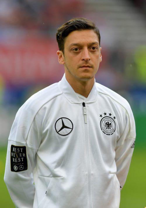 Mesut Özil tritt aus der deutschen Nationalmannschaft zurück. gepa