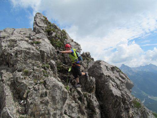 Mit ein bisschen Übung lassen sich die Felsformationen am Karhorn leicht und sicher bewältigen.fuge