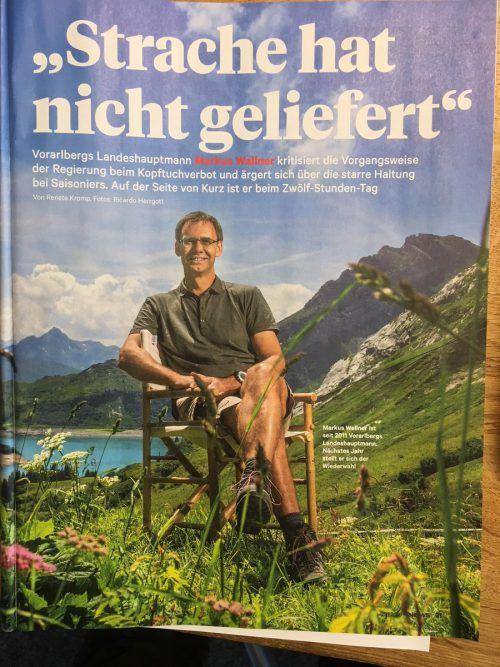 Mit Regiestuhl im Hochgebirge für das tragende Foto: LH Markus Wallner Herrgott, News
