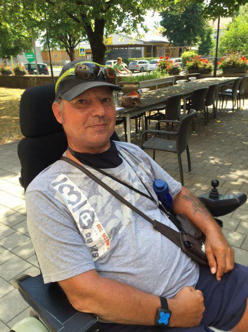 Nach einer langen Leidensstrecke hat Thomas wieder Fuß gefasst im Leben. VN/kum